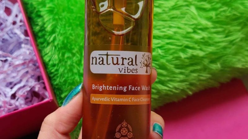 Natural Vibes Brightening Vitamin C Ayurvedic Face Wash Review