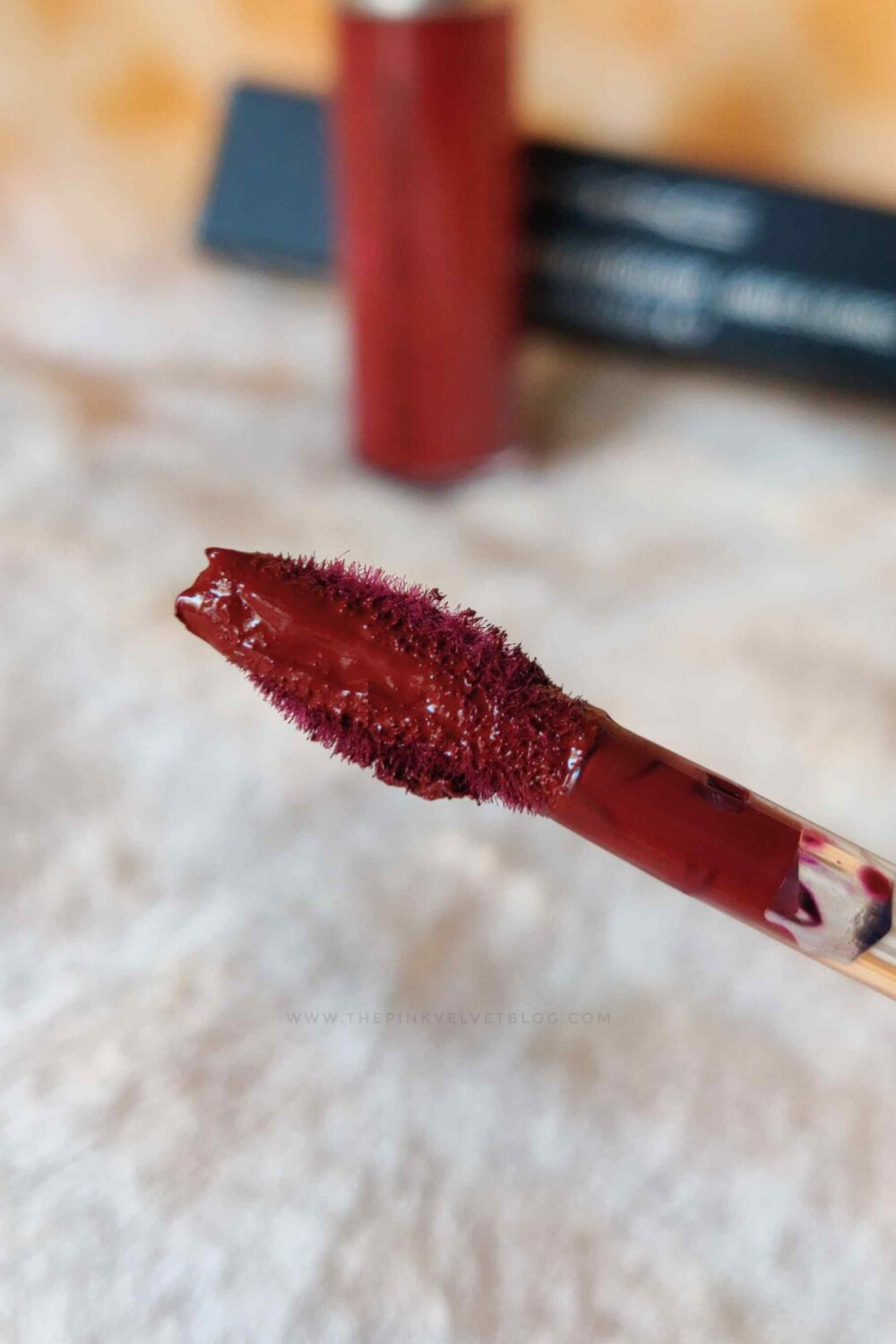 MAC Retro Matte Liquid Lipstick Carnivorous - Review and Swatches