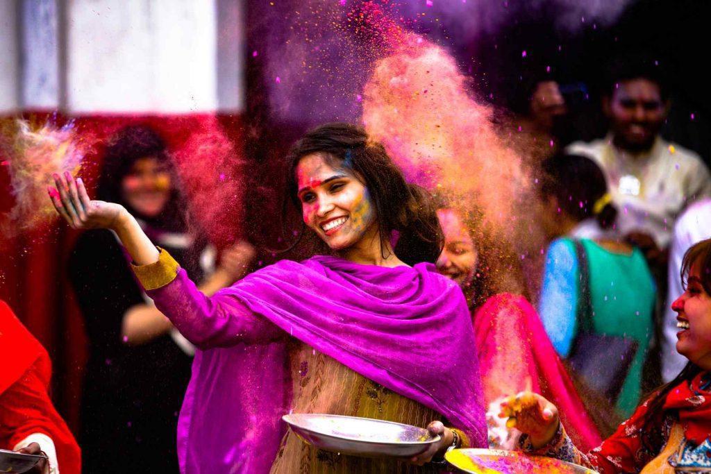 8 Holi Dresses Online You Should Wear While Playing Holi - Dupatta