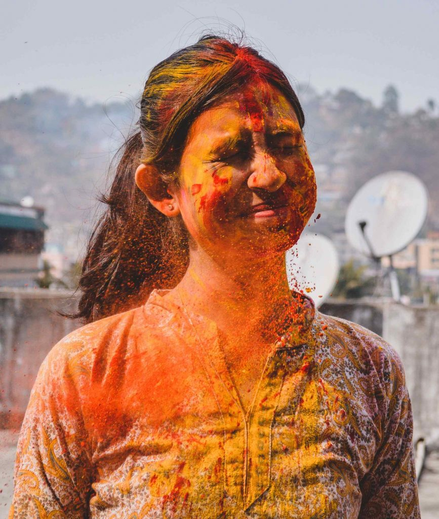 8 Holi Dresses Online You Should Wear While Playing Holi