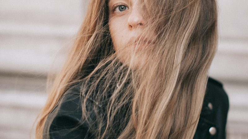 Understanding What Causes Brittle Hair